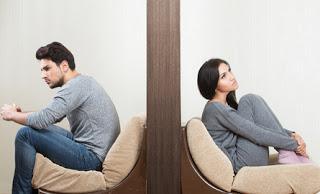 PROBLEMAS DE COMUNICACIÓN Y DESCONFIANZA EN LA RELACIÓN