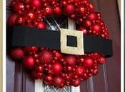 lindas coronas navideñas para puerta usando esferas