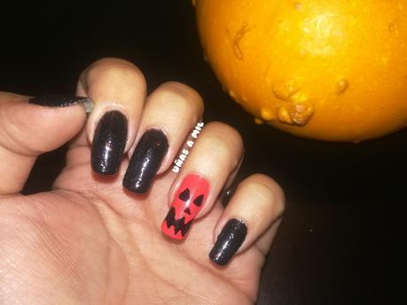 Diseño de uñas de calabaza para Halloween