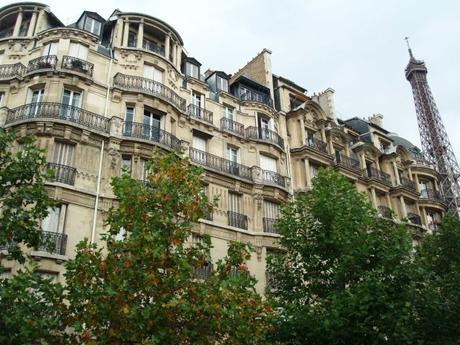 Como NO se debe caminar por las calles de París