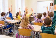 Mudanzas a escuelas: cómo puede ayudar a su hijo de primaria a progresar en un aula nueva