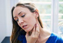 Razones por las que podría sentir entumecimiento solo en un lado de la garganta