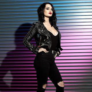 Paige vs lana tienen discusión verbal por un fan