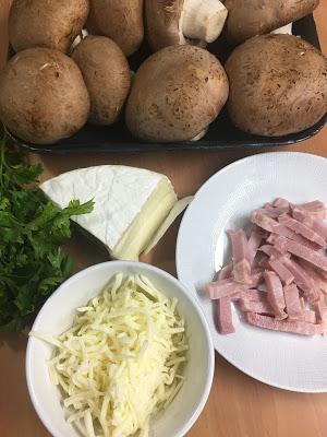 Champiñones Portobello Rellenos De Bacon, Mozzarella Y Brie