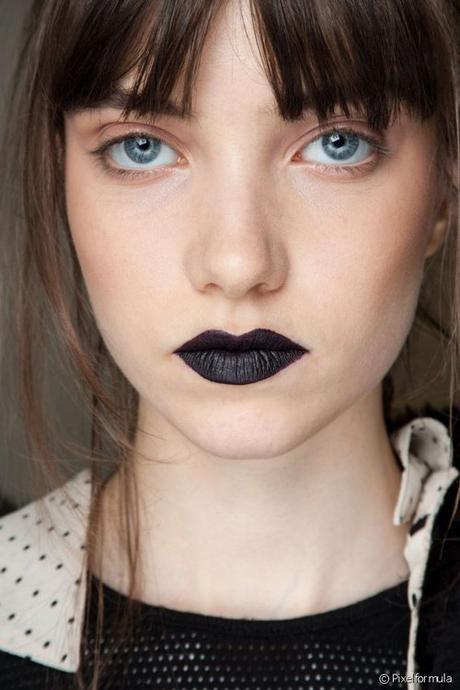 Cómo usar labial negro