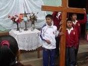 alumnos participando crucis viernes dolores (otuzco 2011)
