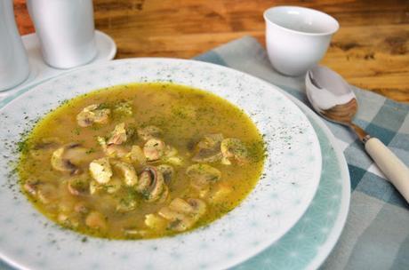 recetas de sopas, sopa, sopa de champiñones, sopa de champiñones con pollo receta, sopa de champiñones light, sopa de champiñones y pollo, sopa de pollo, sopa light, sopas, sopas recetas, las delicias de mayte,