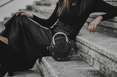 BACK TO BLACK-CAMEL COAT-MIDI SKIRT-CLONES DE MODA