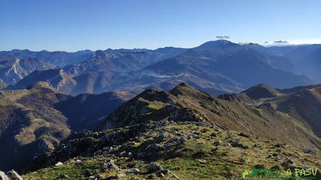 Vista de Peña Ten desde el Pico Pierzu