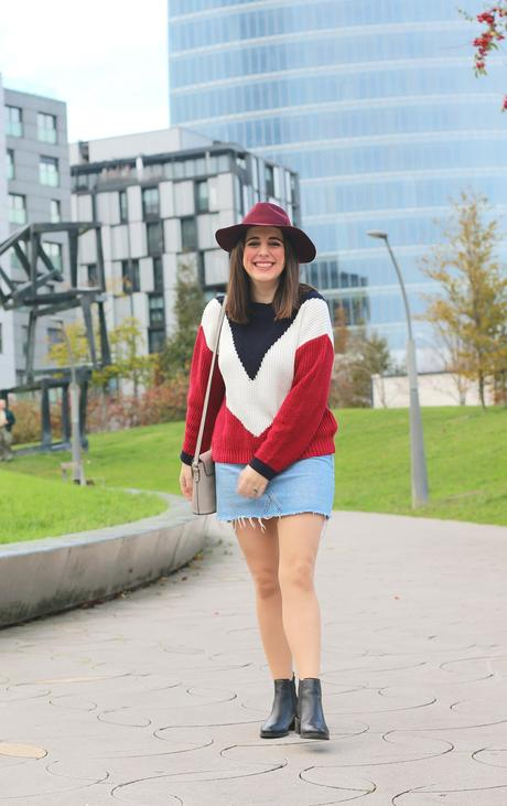 Outfit casual con jersey tricolor
