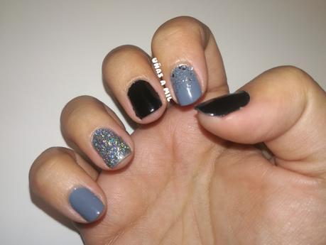 Diseño de uñas sencillo y elegante para Navidad o Año Nuevo