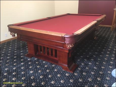 10 Elegant Vintage Bumper Pool Table