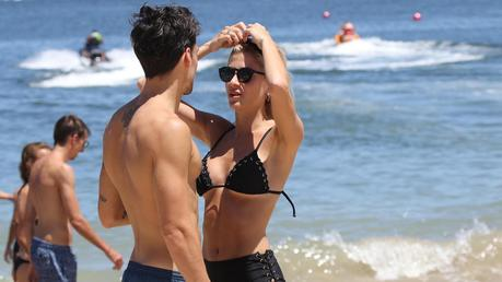 Cande Ruggeri y su Novio de vacaciones fotos románticas