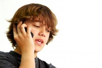 ¿Para qué quieren los niños teléfono móvil?