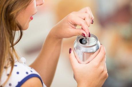 Bebidas dietéticas relacionadas con un mayor riesgo de accidente cerebrovascular después de la menopausia