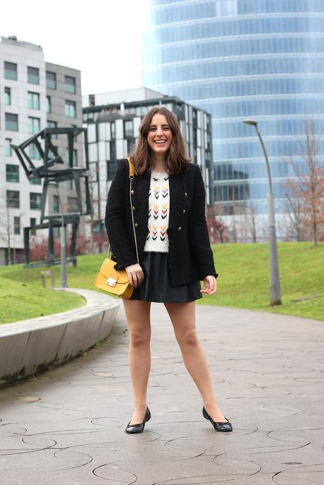Hoy va de básicos: Mini falda negra