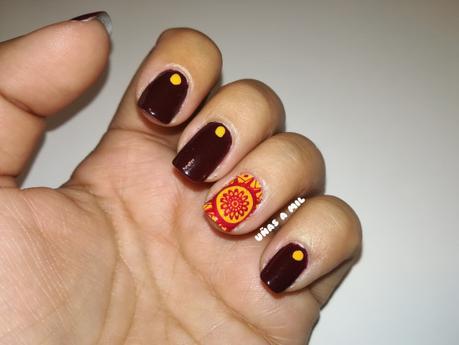 Diseño de uñas en granate y mostaza