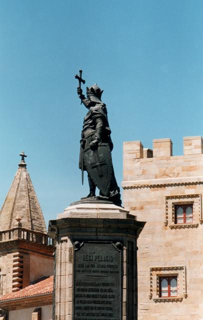 Ciudad de Gijón, en unas pocas imágenes.
