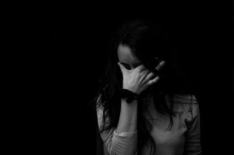 Autolesión entre chicas adolescentes se vincula con alteraciones cerebrales