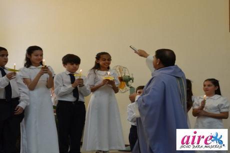 ¿Qué es la ceremonia de la primera comunión?