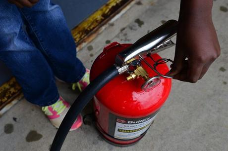 Un extintor en casa y como afrontar un incendio