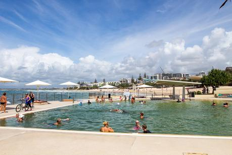 Kings-Beach-tidal-pool ▷ Comentario sobre 3 ciudades de playa en la Costa del Sol en Queensland por Family Travel en Australia | Costa del Sol - Viajes