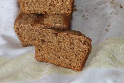 Pan de Espelta Integral Con PImientos Y Chia