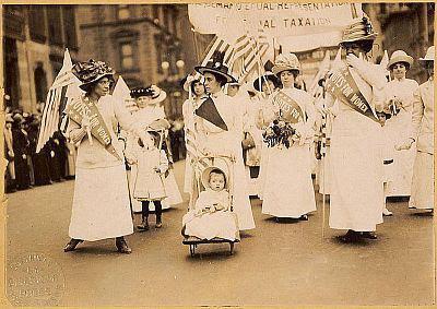 El origen del Día Internacional de la Mujer (8 de marzo).