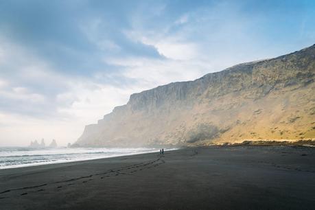 vik-black-sand-beach-900x600 ▷ Dónde hospedarse en Islandia: Los mejores hoteles en Reykjavik y más allá