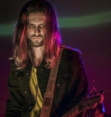 Crettino alista 3er álbum y nuevo single junto al bajista de Chancho en Piedra
