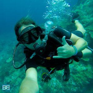 review-scuba-dive-komodo-national-park-diving-blue-marlin-dive-komodo-padi-gopro-indonesia-travel-backpacking-6-300x300 ▷ ¡50 cosas épicas para hacer en Bali - La lista definitiva de baldeses de Bali!