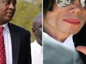Aplazan juicio contra médico Michael Jackson