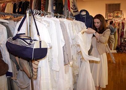 Crossdressing clothing stores