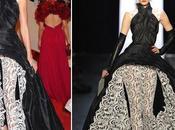 Karolina Kurkova deslumbra Gala vestido leggins encaje Jean Paul Gaultier