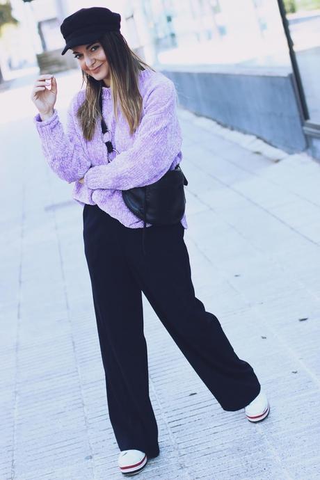 Pantalón formal con deportivas