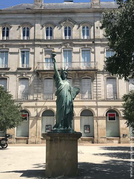 Replica Estatua Libertad Burdeos Bordeaux que ver en viaje Francia