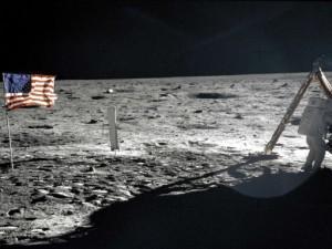 Aún no vivimos en la Luna y ya le dejamos 180 toneladas de basura