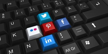 Redes sociales, Un mal necesario