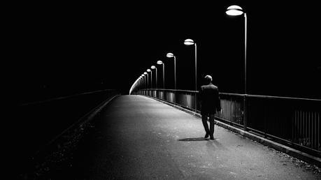 Soñar con caminar en la oscuridad