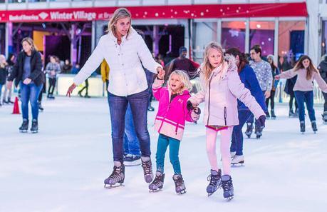 ice-skating-Bryant-park-things-to-do-in-new-york-at-christmas ▷ Comente sobre 52 maneras de ahorrar dinero en los viajes Cómo ahorrar dinero y cocinar comidas saludables mientras viaja - The Thrifty Issue