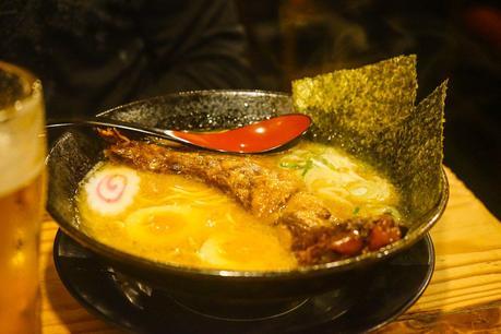 Pork-rib-ramen-in-Osaka.jpg.optimal ▷ ¿Cómo es viajar en Japón?