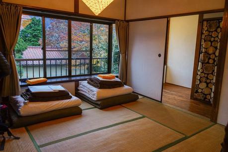 Tatami-mat-room-in-Hakone-Japan.jpg.optimal ▷ ¿Cómo es viajar en Japón?