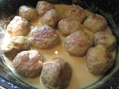 Albóndigas en salsa de piñones Thermomix