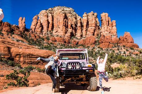 Pink-jeep-tour-SEdona ▷ Comenta 18 cosas increíbles para hacer en Sedona con niños (o sin ellas) por Of Thyroid Cancer and Thanksgiving