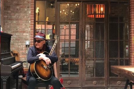 #Musica: ¿La pelazon es arrecha? Yordano pone en venta sus #guitarras
