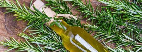 Aceite esencial de romero para el pelo