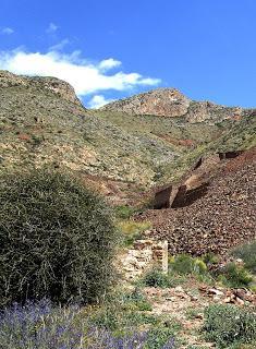 Las Minas de hierro del Rincón de Morales, y unas viejas minas de plomo de camino.