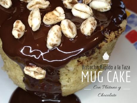 Mug cake Bizcocho rápido a la taza al micro chocolate y plátano Idea de merienda y desayuno