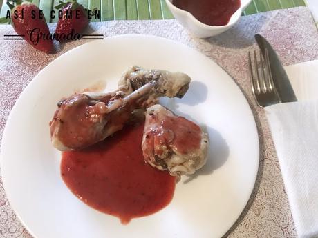 Pollo con salsa de fresas al moscatel