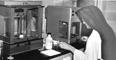 La monja detrás del ADN, Miriam Stimson (1913-2002)